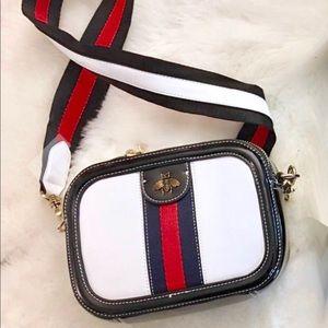 Handbags - 🐝Designer Fashion Bee 🐝 Crossbody Bumble Bee 🐝
